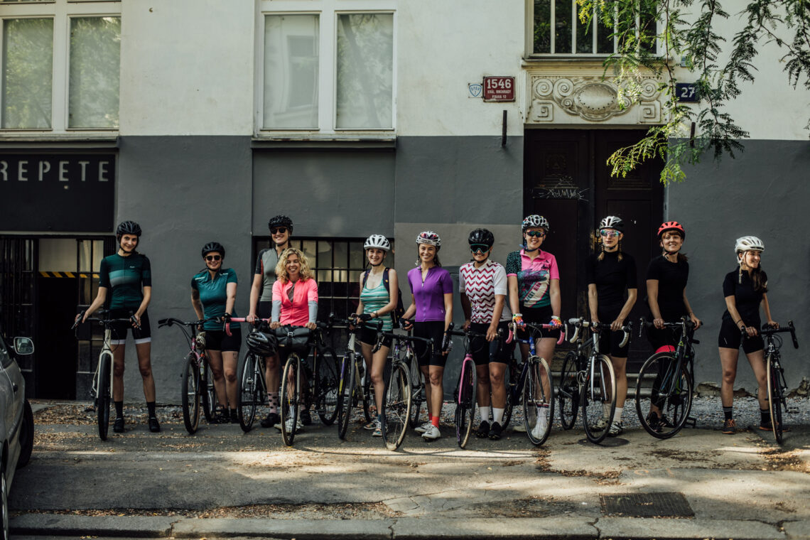 cycling women